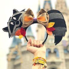 Pocahontas - Meeko Mickey Ears - The Trend Disney Cartoon 2019 Disney Diy, Diy Disney Ears, Disney Mickey Ears, Disney Crafts, Diy Mickey Mouse Ears, Disney Magic, Disney Ears Headband, Disney Headbands, Ear Headbands