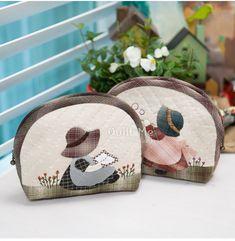 [비눗방울 썬보넷 파우치] Japanese Patchwork, Japanese Quilts, Patchwork Baby, Crazy Patchwork, Colorful Quilts, Small Quilts, Sewing Caddy, Fabric Wallet, Craft Bags
