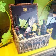 #foodie #weddinggift ideas from @maille #foodhampers #hamper #mustard #dijon #french #piccadillyarcade #maille #weddinggiftideas #londonblog #weddingblog #weddingblogger