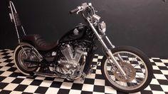 http://www.anibis.ch/de/motorrad-~-velo-motorräder-chopper--1608/je-mets-en-vente-une-suzuki-intruder-vs-800-chopper--16927523.aspx?fts=vs 800