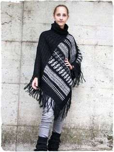 tall neck Alpaca Poncho with geometric design. Online sales of ponchos in alpaca wool for man, woman and child. Alpaca Poncho, Alpaca Wool, Online Sales, Italian Style, Fringes, Winter Outfits, Braids, Colours, Warm