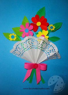 Biglietto per la Festa della Mamma con bouquet di fiori. LAVORETTI SEMPLICI PER LA FESTA DELLA MAMMA Bouquet con fiori di carta Materiale: cartoncini color