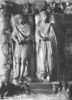 """Bartolomé Ordoñez. Sepulcro de Felipe """"el hermoso"""" y Doña Juana """"la loca"""". Capilla Real de Granada (h. 1519). Fue un encargo de Carlos V. Se depositó en el Hospital Real hasta 1603, razón por la que su estilo no influenció a obras contemporáneas. Según algunos, realizado en Carrara. El influjo italiano del maestro lo llevó a la elección de sepulcro exento. Inf. : Paredes rectas con esculturas y nichos avenerados y grandes medallones. Sup.: yacentes sobre sarcófago exento deco.figurativa."""