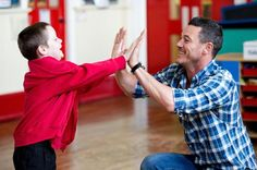 The Hobbit star Luke Evans gets his hands dirty in craft lessons with Welsh schoolchildren