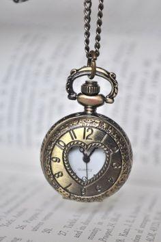 Style : #Fantastique #Horloge #Romantique