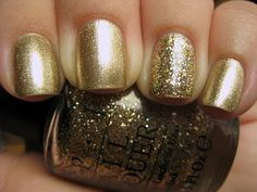 Gold polish with accent nail