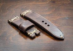 Handmade Vintage Chocolate brown Italian leather watch strap 20 22 24 26 mm Made in Italy Leather Jeans, Sewing Leather, Leather Craft, Bracelet Cuir, Custom Leather, Vintage Watches, Leather Working, Italian Leather, Watch Bands