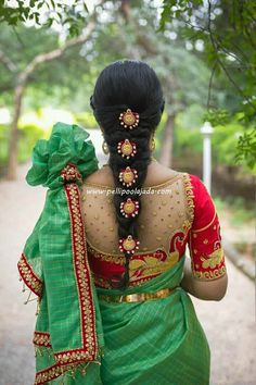Simple poolajada for Green saree Silk Saree Blouse Designs, New Blouse Designs, Saree Blouse Patterns, Bridal Blouse Designs, Hair Designs, Mehndi Designs, Flower Designs, Bridal Hairdo, Bridal Braids