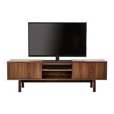 IKEA - STOCKHOLM, TV-Bank, Nussbaumfurnier, , TV-Bank mit Nussbaumfurnier und Beine aus massiver Esche sorgen für warme, natürliche Stimmung im Raum.Die deutliche Holzmaserung im Nussbaumfurnier sorgt für warmen, natürlichen Ausdruck.Nussbaumholz ist ein robustes Naturmaterial. Schutzlack auf der Oberfläche erhöht die Haltbarkeit.Durch die Kabelöffnung in der TV-Bank können Leitungen verdeckt gesammelt und zwischen den Einlegeböden zur Steckdose geleitet werden.Dank versetzbarer Böden kann…