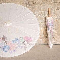 Une jolie ombrelle pour la mariée ou pour décorer votre cérémonie rêve de fleurs