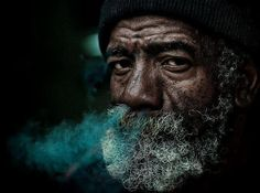 Another great Lee Jeffries photo. Could be another sailor, or a homeless man, or guard who is surprisingly good with his knives. Street Portrait, Portrait Art, Lee Jeffries, Man Photography, Street Photography, Old Man Face, Old Faces, Face Expressions, Human Emotions