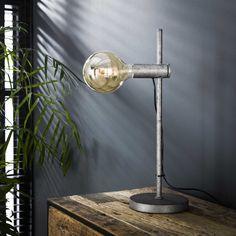 Bordlampe i antik patineret sølv finish