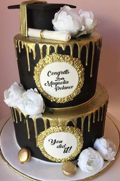 Two Tiers Black And Gold Grad Cake ★ Best graduation cakes for high school and for college, for boys and for girls. Use these simple and unique ideas to your advantage! ★ cake 18 Unforgettable And Awesome Looking Graduation Cakes Graduation Cake Designs, College Graduation Cakes, Graduation Party Desserts, Graduation Party Planning, Graduation Cookies, Graduation Celebration, Graduation Ideas, Graduation Banner, High School Graduation