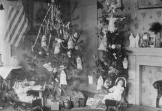 Vintage Christmas Photo ~ Beautiful Christmas and Toys. 1917