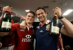 Irish Lions Rugby Owen and Andy Farrell celebrating after winning the Lions tour Leicester Tigers, British And Irish Lions, England Fans, Rugby, Celebrities, Oc, Mens Tops, People, Champagne