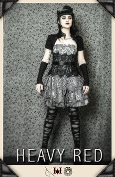I would so love to wear that to either prom or if I sing a rock song... XD