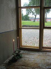 Eteisen ikkunalauta