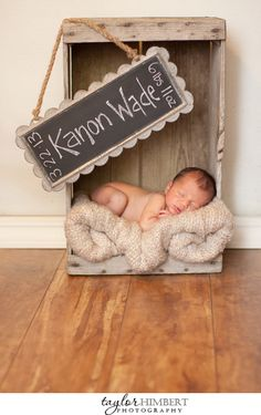 I love this little newborn set up!  @Mandi Smith T Interiors Smith T Smith T Smith T Lawson Yohner Brant Wood you could recreate something similar with your chalk board wall!