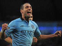 Pablo Zabaleta Manchester City - http://www.wallpapersoccer.com/pablo-zabaleta-manchester-city-2.html