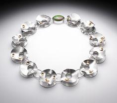 Lynn Légaré Joaillière / Collier - argent sterling, or 18 carats, gaspéite / Titre: Tumulte