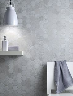 Hexagonmosaik i fantastisk Metalbax allumino. Kostar bara ca 9000 kr/kvm...