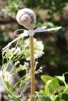 Ideas and Inspirations: Schneckentage * snails days - DIY Garten Landschaftsbau Potager Garden, Gnome Garden, Garden Art, Garden Ideas, Terrace Ideas, Garden Paths, Fleurs Diy, Herbaceous Border, Most Beautiful Gardens
