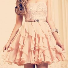 This dress is so pretty! :)