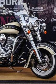 American motorcycle manufacturer, Indian, presented the latest creation, made on the occasion of 150 years of one, to many very well-known brand. Motorcycle is named Chief Vintage.