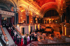 Museums are all about art during the day, however during the night the festivities begin! Enjoy a unbelievable night at one of the museums with an astonishing gala dinner!