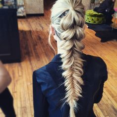 """We die for this pull-through braid/fishtail pony from @fave4hair and @blohaute """