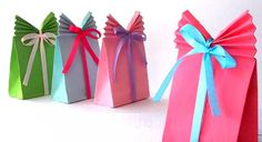 How to make an origami gift bag with a gusset for the holidays. ---------- Origami: Gift Bag with a Gusset Designed By: ? Diy Paper Bag, How To Make A Paper Bag, Paper Gift Bags, Paper Gifts, How To Make A Gift Bag, Kids Crafts, July Crafts, Easy Gifts, Creative Gifts