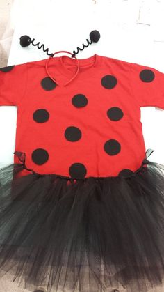 Diy ladybug costume how to make a ladybug costume halloween ideas and inspirations ladybug costume solutioingenieria Images