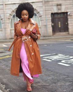 It's chic to repeat and these influencers have the proof. Click through for 6 influencers who often re-wear their outfits. Lazy Day Outfits, Spring Outfits, Trent Coat, Girl Fashion, Fashion Outfits, Fashion Hacks, Dress Fashion, Spring Fashion, Fashion Tips