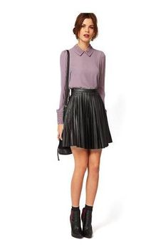 Pleat Skirt in Black - US$21.95 -YOINS