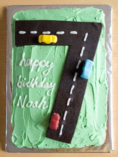 The only fondant used is for the cars - the road is made of marshmallows melted with a little butter and Oreo crumbs