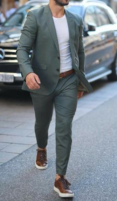 Men's Minimal Dressing Style 5 Outfit Ideas For Men is part of Jackets men fashion - Simple & Subtle Mens Casual Suits, Stylish Mens Outfits, Stylish Mens Fashion, Mens Suits, Formal Men Outfit, Formal Dresses For Men, Mens Fashion Blazer, Suit Fashion, Style Fashion