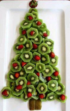 Lúcete durante la cena navideña creando hermosas decoraciones que además son comestibles y que añadirán un toque de originalidad a tu mes...