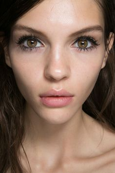 Mulberry Spring 2014. http://votetrends.com/polls/369/share #makeup #beauty #runway #backstage