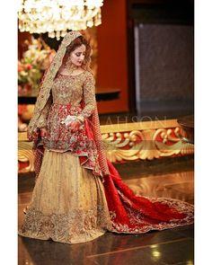 Instagram post by Fine Art Weddings - A Blog • Apr 26, 2019 at 12:13pm UTC Bridal Mehndi Dresses, Walima Dress, Shadi Dresses, Pakistani Wedding Outfits, Bridal Dress Design, Bridal Lehenga Choli, Pakistani Bridal Dresses, Pakistani Wedding Dresses, Bridal Hijab