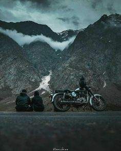Beautiful Places To Visit, Cool Places To Visit, Wonderful Places, Places To Go, Royal Enfield Wallpapers, Nature Photography, Travel Photography, Motorcycle Photography, Amazing Photography