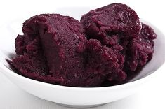 Mulberry season is here, and the black fruits are loaded on the trees. Make mulberry sorbet, mulberry compote and eat mulberries with cream. Frozen Desserts, Frozen Treats, Just Desserts, Dessert Recipes, Oats Recipes, Rice Recipes, Beef Recipes, Breakfast Recipes, Chicken Recipes