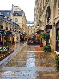 Le Village Royal - entre place de la Concorde et La Madeleine, entrée par la rue Boissy d'Anglas, un endroit de boutiques chics - 8e arr.