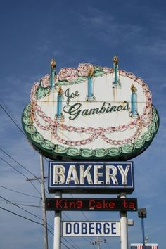 Gambino's Doberge cake Nola by Constance Muller Louisiana Homes, New Orleans Louisiana, Louisiana Gumbo, Louisiana Recipes, New Orleans History, New Orleans Mardi Gras, All Things New, Crescent City, Down South
