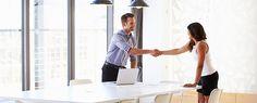 At gå til jobsamtale er en kunst. Men med et velovervejet svar på 5 klassiske spørgsmål, kan du lettere vinde jobbet. Se her, hvad du kan svare, og hvad svarene fortæller rekrutteringskonsulenten om dig.