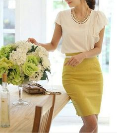 new style Empire Skirts pencil skirt Spandex Dress mix Outfit Style Work, Mode Style, Girl Outfits, Cute Outfits, Fashion Outfits, Skirt Fashion, Fasion, Fashion Ideas, Yellow Outfits