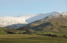 Arant Haw from the west, Howgill Fells near Sedbergh, Yorkshire Dales National Park, Cumbria, UK by Ministry, via Flickr