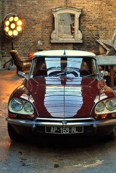 """doyoulikevintage: """"Citroen DS Series B 1968 """" Retro Cars, Vintage Cars, Psa Peugeot Citroen, Amazing Cars, Car Pictures, Motor Car, Cars And Motorcycles, Cool Cars, Dream Cars"""