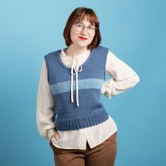 Ann - Kort Väst Mönster Dusty Blue, Vest Pattern, Free Pattern, Spencer, Easy Knitting Patterns, Labor, Knit Or Crochet, Sweaters, T Shirts