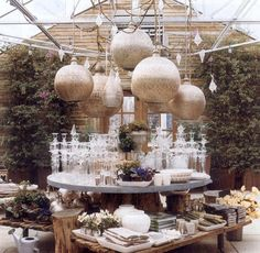 pics of outdoor party tablescapes | for accessories and linens from Grandma's embroidered table