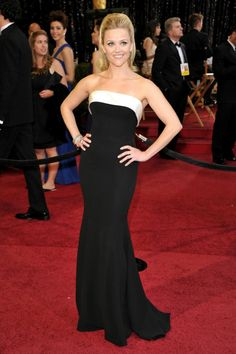 Reese Witherspoon arrives at the 83rd Annual Academy Awards held at the Kodak Theatre on February 27, 2011 in Hollywood, California.